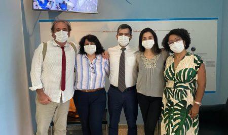 Cryopraxis recebe médicos para trocar experiências sobre Produtos de Terapia Avançada